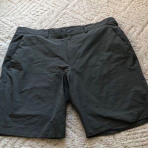 Gap fit hybrid shorts